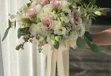 Bridal Rustic Hand Bouquet by De' Flower
