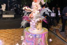 Ayla Dimitri and Rama Devara Wedding Cake by Fleur by Raja