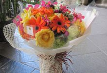 Gift Bouquet- Bunch STyle 1 by Bali Florist-Studio Alami