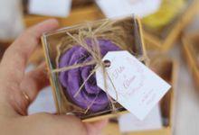 Wedding Of Putri & Alvian - Aroma Flower by Greenbelle Souvenir