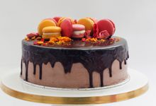 Party Cake - Baileys Chocolate with Macaron by Lareia Cake & Co.