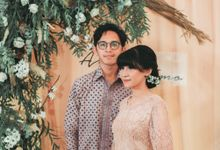 The Engagement of Ayu & Bimo by Daydreaming Works