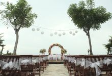Tropical Simple Wedding Setup by Sudamala Resorts