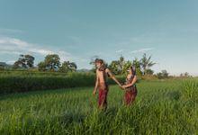 Dika & Resna Klasik Bali Prewedding by Fourshot Photography