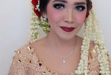 Champagne Reception Kebaya for Mourin by Arthaputri Atelier