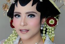 Traditional Adat Paes Solo Putri by beautified by santishiva