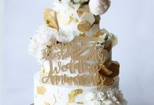 Three Tiered White and Gold by KAIA Cakes & Co.
