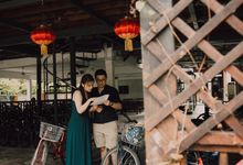 Casual engagement shoot by Amelia Soo photography
