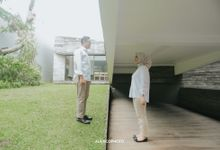 THE PREWEDDING OF VINDI & ANGGA by alienco photography