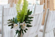Modern-tradisional Tropical Greenery Wedding Ceremony at Kempinski Apurva Bali by Silverdust Decoration