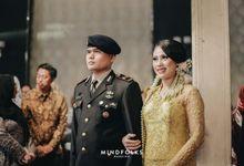 Pedang Pora Wedding of Nadia & Piko by  Menara Mandiri by IKK Wedding (ex. Plaza Bapindo)