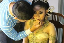 Indri & Reza Pre-Wedding with RKG by Crystal Organizer