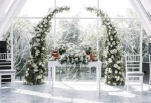 Rustic White English by Silverdust Decoration