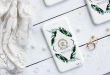 Custom Powerbank - WIDHAGO & CAROLINE WEDDING by PORTÉ by Clarin