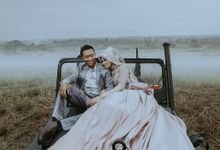 Prewedding Putri N Yoyoi by Hendsgrapher