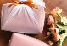 Pouch A by Vinas Invitation