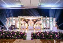 Glorious Golden Wedding Reception Dinner by Birdcage Works