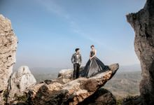 Glamour Prewedding by PhiPhotography