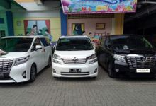 Family Cars by sapphire wedding car