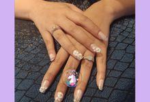 wedding nail by Gabby Rotra MUA
