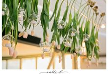 Modern and traditional garden flowers for a Sails Restaurant wedding by Ginger Lily & Rose Floral Studio