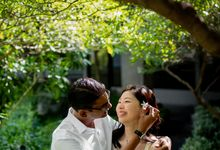 Playful Engagement Session In The Urban Jungle by Alexis Fam Photography