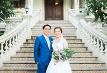 Classic White Intimate City Wedding by Ivy Tuason Photography