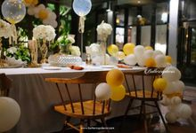 Gold Table Decor by Buttercup Decoration