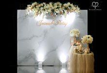 Jason & Patsy - Modern White & Gold Marble Wedding by Blissmoment
