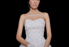 WEDDING GOWN  XXXI by JCL FOTO BRIDAL SALON