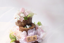 Wooden Log Ring Bearer for Calista & Partner by Jeestudio Id