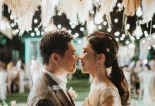 Selebrasi pernikahan intimate dengan sentuhan bintang di tebing ungasan, Mengakhiri long-distance 6 tahun dengan selebrasi pernikahan di Ungasan by fifiani lugito