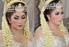 A Dream Come True Wedding by Sanggar Rias Pengantin Shanti Chaidir