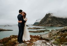 Bridal portraits in the amazing Lofoten islands of Norway by Vegard Giskehaug Photography