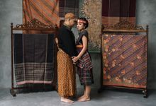 Traditional Prewedding Concept Bunga & Wawan at Dharmawangsa Studio by Warna Project