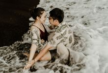 Jodie & Jennifer Pre Wedding Bali by AKSA Creative