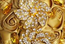 Customizable Gold Embellished by Jour de Mariage