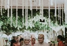 The Wedding Of Ayu + Agung by Wong Akbar Photography