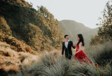 Bromo Session Arya and Beatrix by Toto | Fotografio