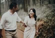 Karlina & Ariyanto Engagement Session by ATIPATTRA