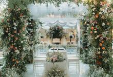 Modern Outdoor & Curvature Wedding of Fara&Taufik by Kalea Design