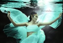 Underwater Maternity by BERANDA PHOTOGRAPHY