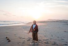 Sesi Prewedding Ceria Ketika Sunset by Kanva Pictura