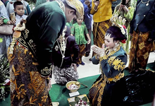 Dekorasi Tradisional Gedung by Karina Weddings