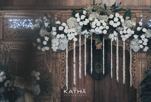 The one who needs blessings from the parent by Katha Photography