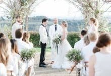Erica and Nick's wedding in Tuscany was shot during Lauren Fair and Julie Paisley workshop in Tuscany this spring. The theme of the wedding was white  by Katka Koncal