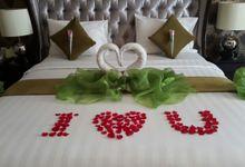 Room Honeymoon by The Mirah Bogor