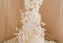 Wedding Cake by K.pastries