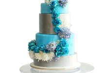 Wedding cakes and cupcakes by CUPCAKES COMPANY