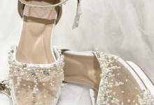 WINDY WEDDING PEARL WHITE SHOES by Helen Kunu by Kunu Looks
